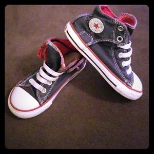 Size 9 converse blue and red, tie free!